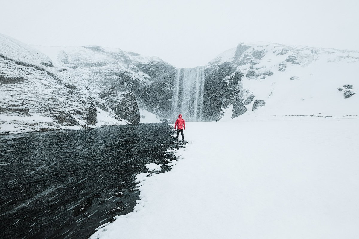 skogafoss workshop livieri iceland in winter fujifilm